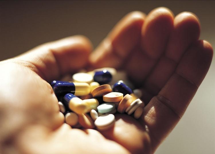 Thuốc Tây điều trị mề đay khi mang thai tiềm ẩn nhiều rủi ro cho cả mẹ và bé