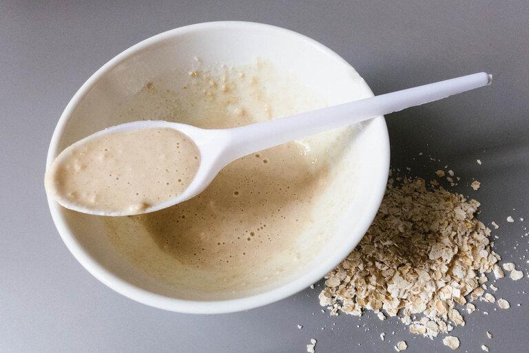 Hỗn hợp yến mạch, sữa chua, mật ong giúp giảm ngứa ngáy khi bị nổi mề đay