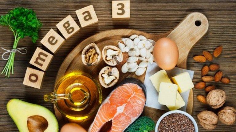 Người bị mề đay nên ăn các loại thực phẩm giàu omega 3