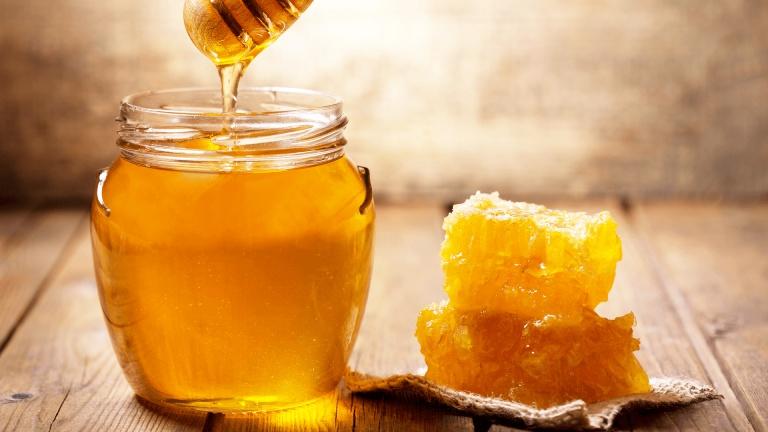 Sử dụng mật ong giúp giảm triệu chứng dị ứng khó chịu